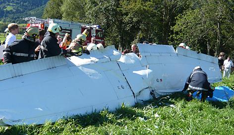 Wrackteile nach Flugzeug-Crash in Zell am See