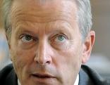 Wirtschaftsminister Reinhold Mitterlehner im Portrait. Großaufnahme.