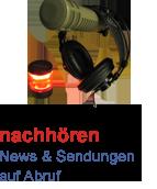 Mikrofon und Kopfhörer mit Rotlicht