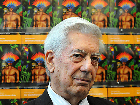 """Mario Vargas Llosa beim Start der Aktion """"Eine Stadt. Ein Buch"""""""