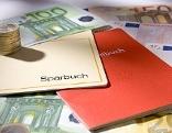 Geld und Sparbücher