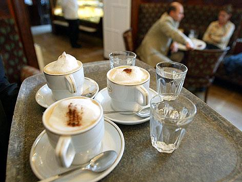 Kaffeehaus-Szene