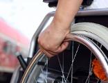 Rollstuhl, Behinderung