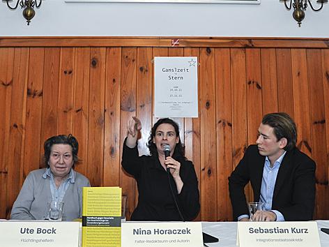 """Buchpräsentation """"Handbuch gegen Vorurteile"""""""