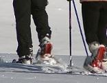 Wintersportler im Schnee mit Schneeschuhen
