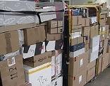 Pakete im Postverteilzentrum