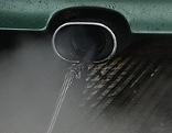 Abgasmessung bei einem Auto-Auspuff