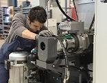 Maschinenbau Emco CNC Drehbank Fräsen Fräsmaschine Industrie Arbeiter Techniker Werkzeugbau
