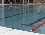 Schwimmbecken im Schwimmbad