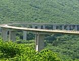 Autobahn im Grünen