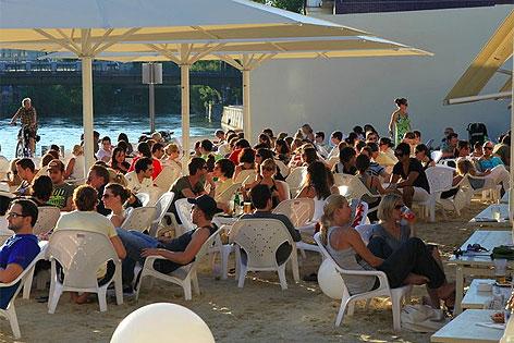 Lokalgäste am Tal Aviv-Beach