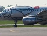 Fly-Niki-Maschine auf der Landebahn