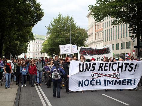 Mit Aktionen, Workshops und einem Protestmarsch protestiert die Österreichische HochschülerInnenschaft (ÖH) am Dienstag, 05. Juni 2012, gegen die Folgen des Universitätsgesetzes 2002 (UG).