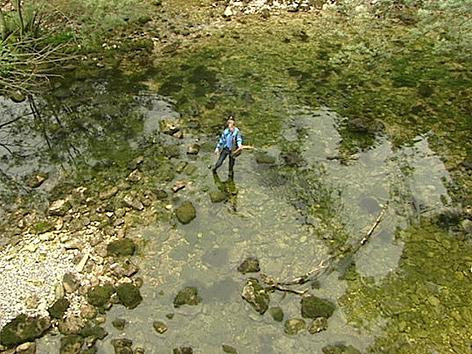 Gerhard Leeb in Flussbett