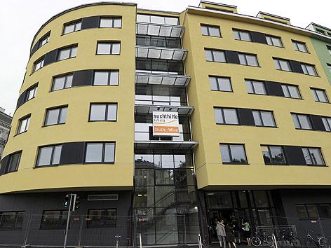 """Sozialmedizinische Einrichtung """"jedmayer"""" am Gumpendorfer Gürtel"""