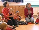Kindergarten mit Kindergärtnerinnen