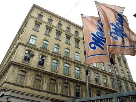 Die Wiener Manner-Fabrik in Hernals