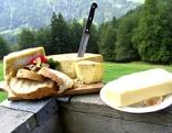 Käse und Wurst auf der Niederalm im Brandenbergertal