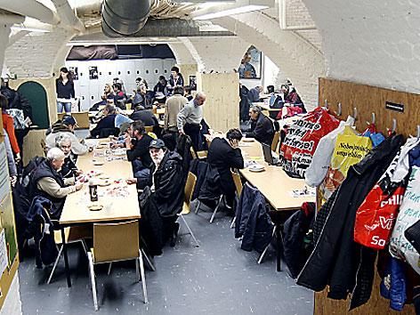 Blick in den Aufenthaltsraum der Gruft; 1. 12.2011