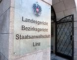 Eingang zum Landesgericht Linz