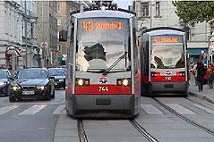 Straßenbahnen der Linie 43