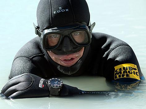 Sporttaucher Christian Redl stellt Weltrekord im Himalaya auf