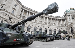 Panzer am Heldenplatz