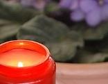Kerze mit Blume