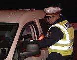 Alkohol Polizei Kontrolle Alkoholrazzia Alkotest Polizist