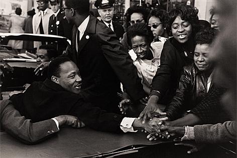 Martin Luther King Jr., nachdem er den Friedensnobelpreis erhalten hat, Baltimore 1963