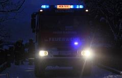 Feuerwehrauto in der Nacht