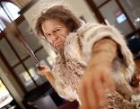 """""""Steinzeitjäger"""" in der Ausstellung """"Mensch(en) werden"""" im neuen Anthropologie-Saal im Naturhistorischen Museum"""