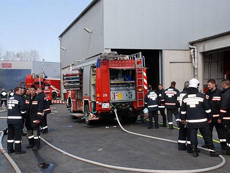 Großbrand bei Saubermacher in Liesing