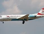 Fokker 70 der Austrian Airlines AUA Flugzeug Jet Reise Düsenflugzeug Reisen Austrian Arrows