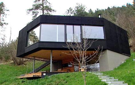 Haus das wachsen kann wird bestes haus tirol for Modernes haus in hanglage