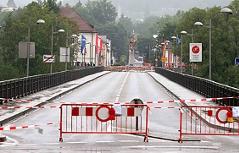 Gesperrte Innbrücke in Braunau