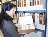 Bücher lesen, scannen, digitalisieren