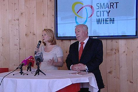 Infrastrukturministerin Doris Bures, Bürgermeister Michael Häupl (beide SPÖ)
