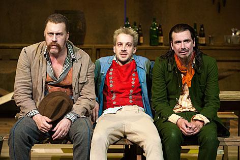 Lumpazivagabundus 2013: Nicholas Ofczarek (Knieriem), Florian Teichtmeister (Leim), Michael Maertens (Zwirn)