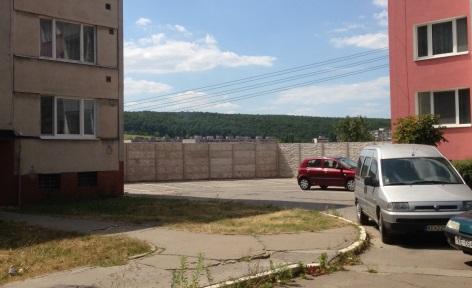 Mauer in Lunik VIII.