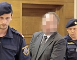 Der angeklagte frühere Rotkreuz-Mitarbeiter und Arbeiterkammer-Funktionär vor Beginn des Prozesses wegen Millionenbetrugs
