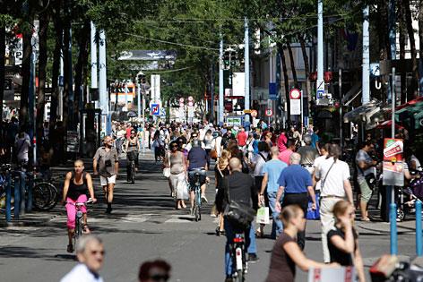 Passanten Mariahilfer Straße