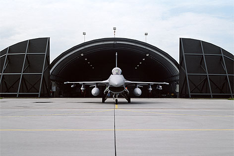 Allan Sekula, Lockheed-Martin F-16 rollout. Polish Air Force base near Poznan. July 2009, 2007–2009