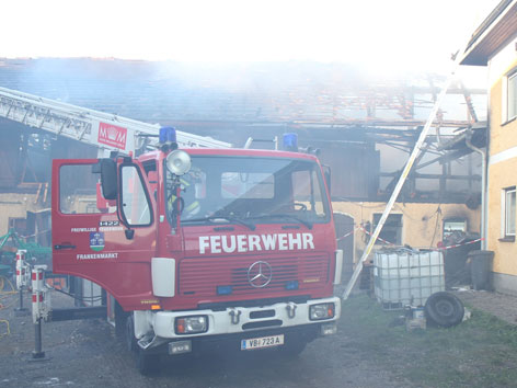 Stall eines Vierkanters in Frankenburg in Flammen