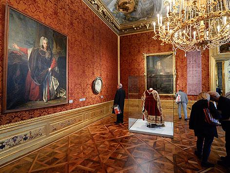 Besucher im renovierten Winterpalais von Prinz Eugen in der Himmelpfortgasse