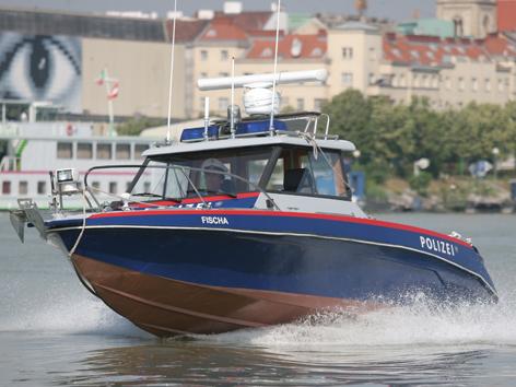 Polizei Boot Fischa