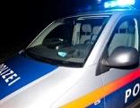Polizei Auto in der Nacht