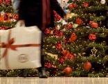 Weihnachtsbaum und Weihnachtsgeschenk