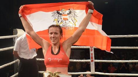 Nicole Trimmel s austrijanskom zastavom