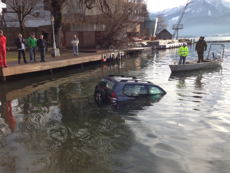 Auto in Wolfgangsee